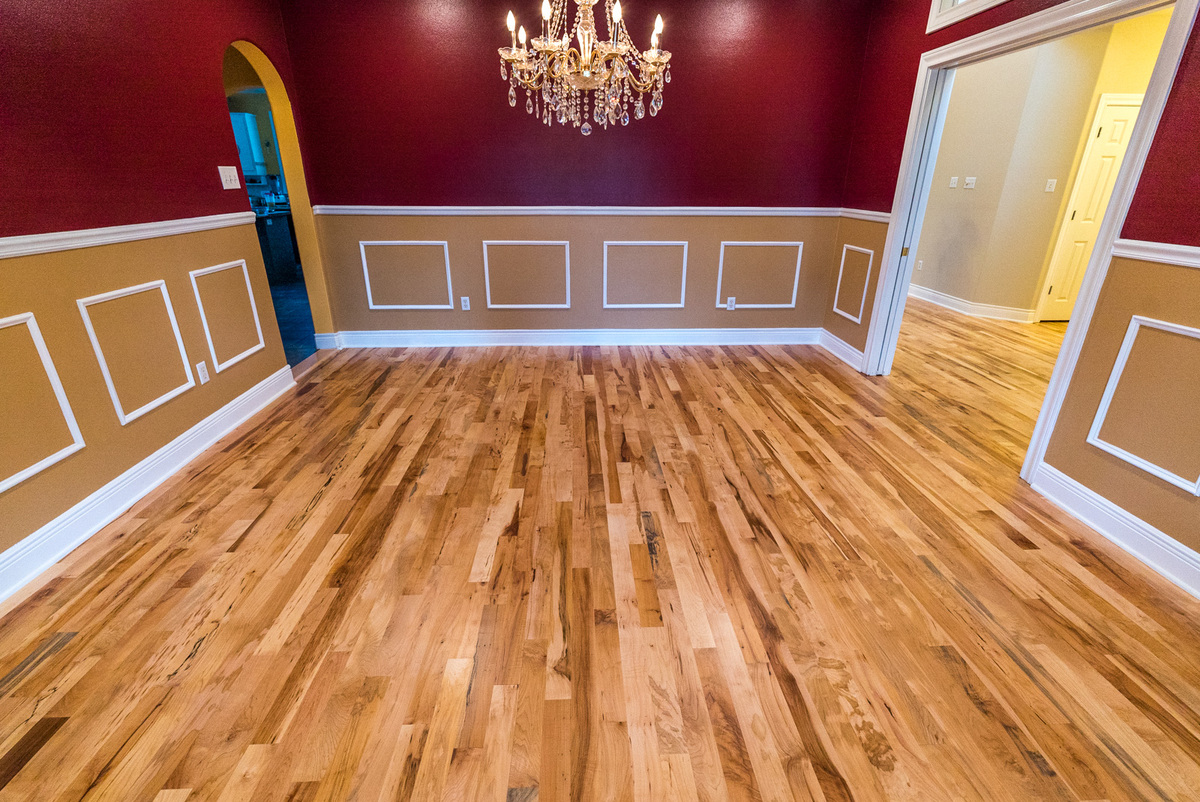 SANDING YOUR HARDWOOD FLOORS – SHOULD YOU DIY OR LEAVE IT TO THE PROFESSIONALS?